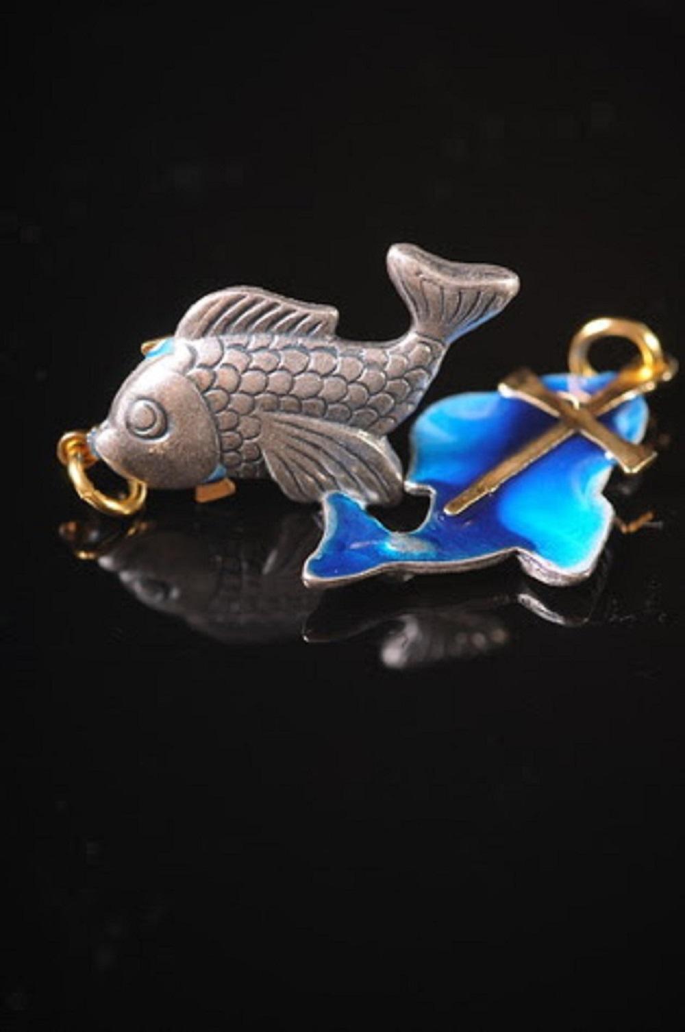 金屬十字架 魚